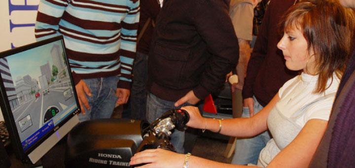 Le simulateur de conduite fait partie des outils pédagagique de sensibilisation.