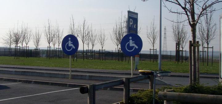 stationnement gratuit pour les personnes handicap es blog actiroute. Black Bedroom Furniture Sets. Home Design Ideas